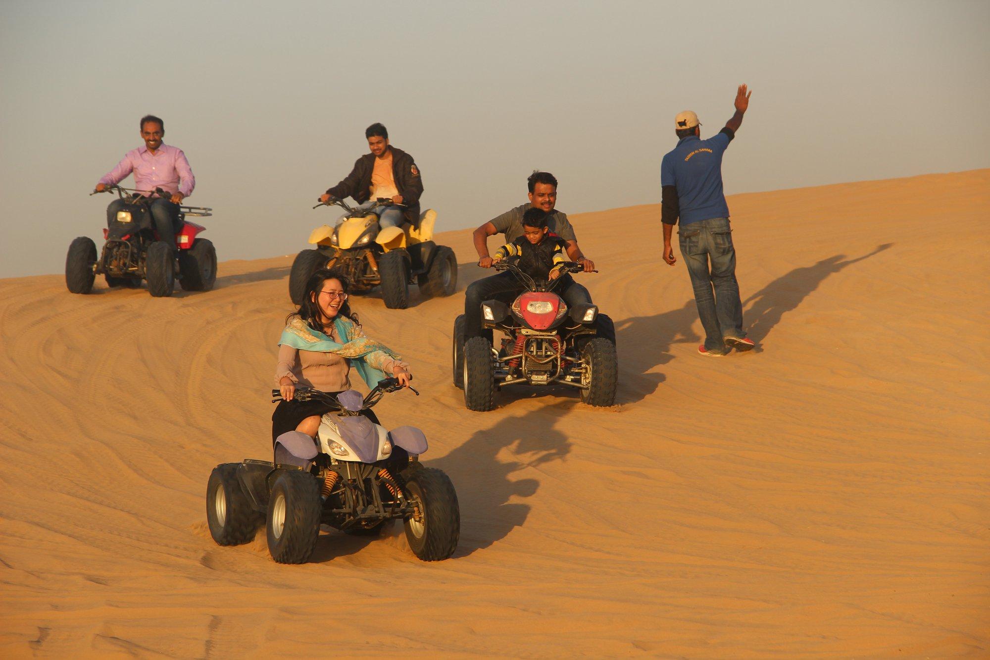 惊险刺激的迪拜沙漠.JPG
