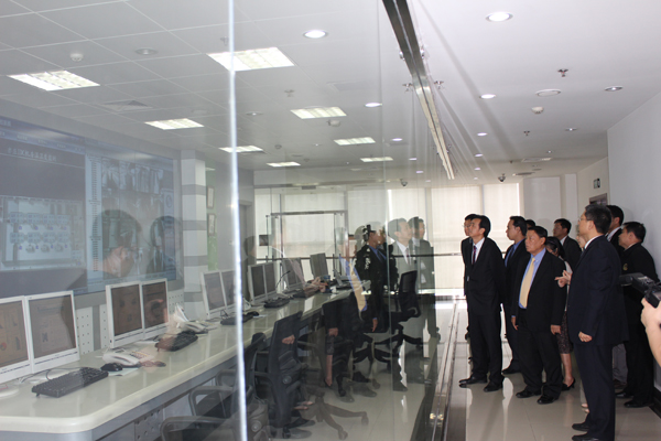 我会领导拜会中国电子信息中心